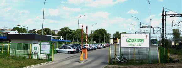 Od kwietnia parkingi Kolei Mazowieckich będą bezpłatne