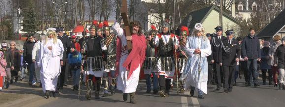 Ulicami Skórca przeszła Droga Krzyżowa (film)