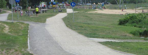Osobna ścieżka dla rowerów nad zalewem