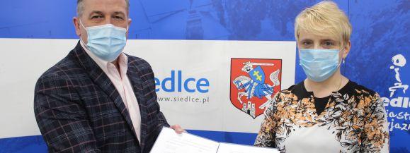 """Koleje Mazowieckie podpisały porozumienie o współpracy z siedlecką """"Kolejówką"""""""