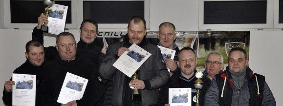 Policjanci na podium IV Zawodów Strzeleckich o Puchar Dyrektora ZK w Siedlcach