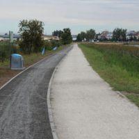 No i jest ścieżka dla rowerów nad zalewem