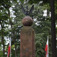 Przy renowacji pomnika powstaje malowniczy teren