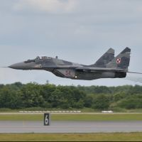 W Kałuszynie trwają poszukiwania myśliwskiego samolotu MiG-29 (Aktualizacja)