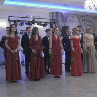 Studniówka 2019. Maturzyści z Katolika bawili się na swojej studniówce (film)