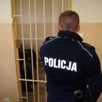 Zatrzymano dwóch mężczyzn podejrzanych o napady na trzy placówki handlowe