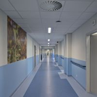 Coraz trudniej z miejscami w szpitalu. Szpital wojewódzki przekształca oddział wewnętrzny dla chorych na Covid-19