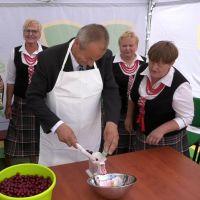 """XII Festiwal Kuchni Regionalnej """"Z wiśniowym smakiem"""" już za nami (film)"""