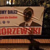 Kolejne zniszczone banery wyborcze w Siedlcach